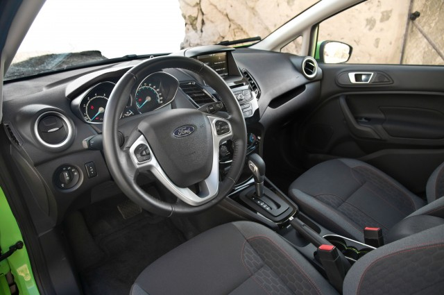 2014-Ford-Fiesta-SE-interior