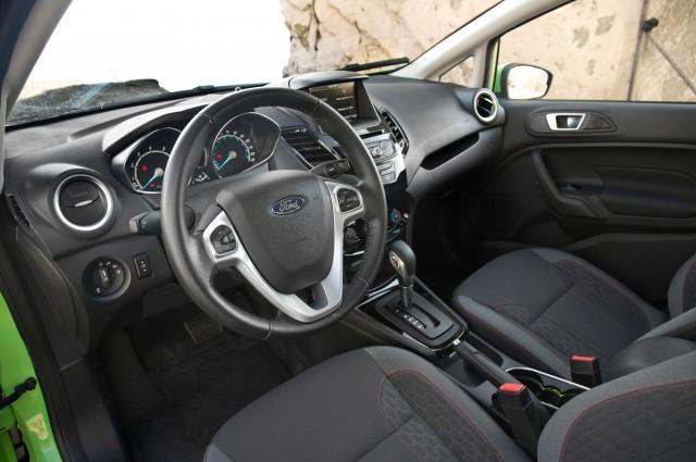 2014-Ford-Fiesta-SE-interior